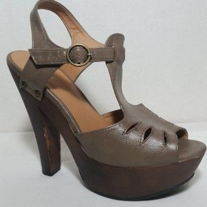 Qupid Womens Strappy High Heeled Sandals brown 9